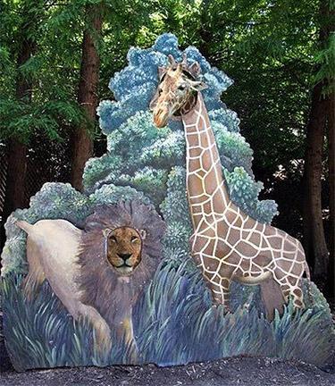 giraffe_lion1