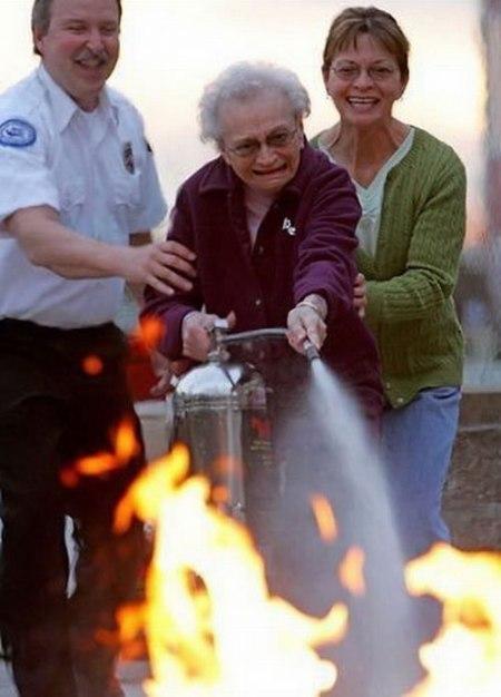 75 Lets Play a Fun Fire Joke on Granny